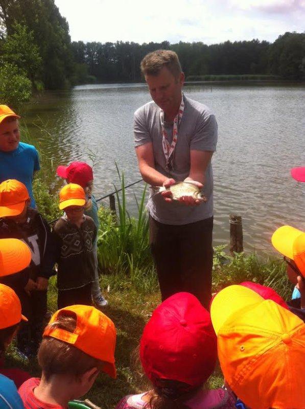 Animation pêche pour centre aéré en Champagne