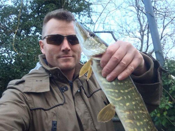 Pêche du brochet aux leurres souples Reins