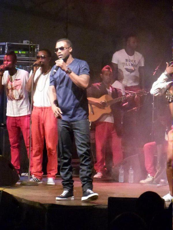 Fally Ipupa concert le 16 février 2013 au salon Congo avec F-victime