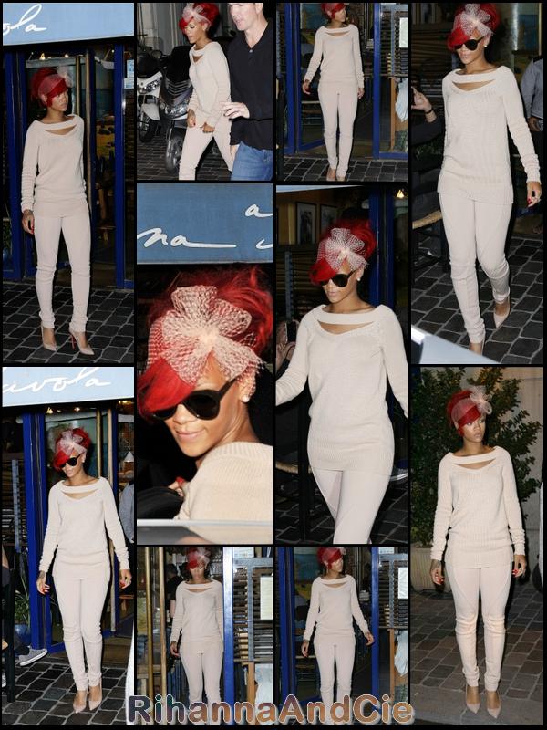 -- Jeudi 7 Octobre 2010 : Après sa longue après-midi shopping notre belle Rihanna c'est rendu au restaurant italien « Sardana A Tavola ». Toujours vêtus de la tête au pied couleur nude notre beauté de la Barbade était juste Magnifique dans les sombres rues de la capital !  --
