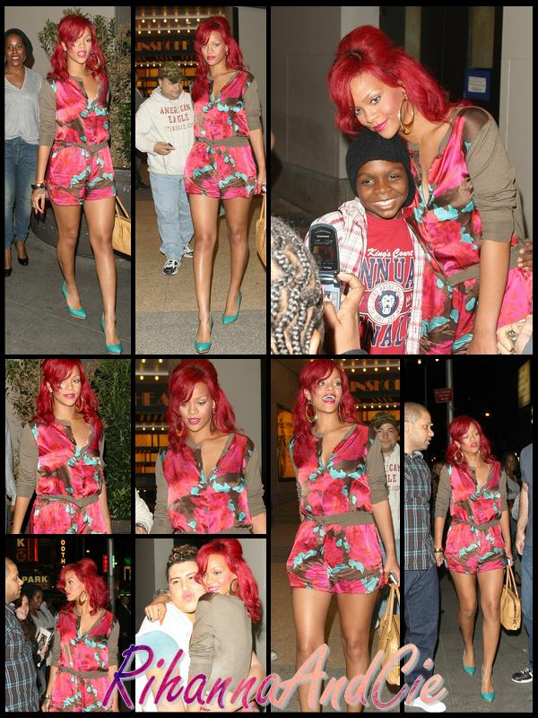 -- Jeudi 28 Octobre 2010 : Rihanna a était aperçue quittant les studio de MTV. La belle chanteuse de 22ans a acceptée de posée avec plusieurs fans présent lors de sa sortis ..--
