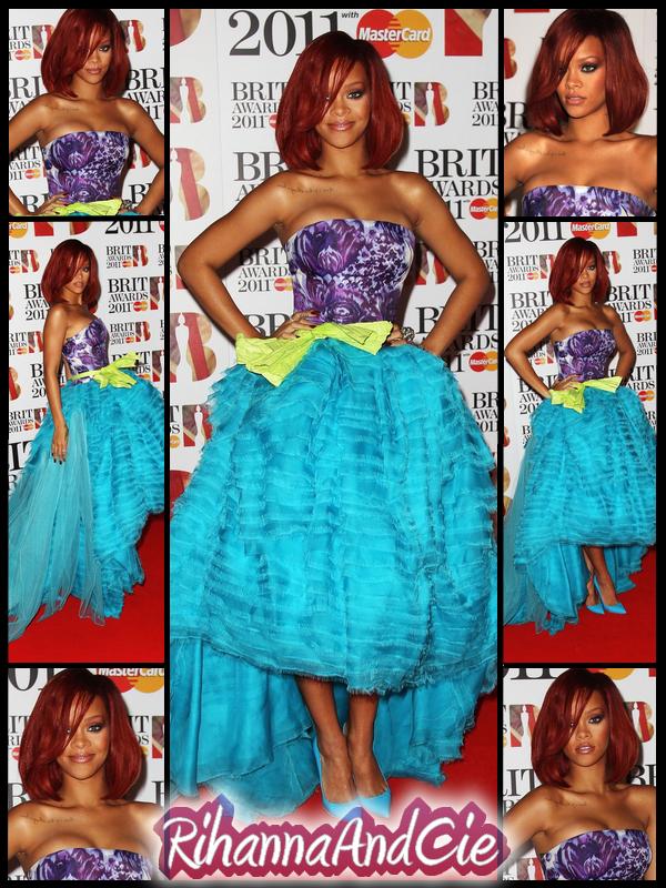 -- ▬ Mardi 15 Février 2011 : Rihanna était cette année présente au Brit Awards 2011 qui se déroule au Royaume-Unis. Deux Jours après les Grammy, Rihanna apparais toujours au top sur le Red Carpet qu'elle que soit la cérémonie, un véritable canon.. --