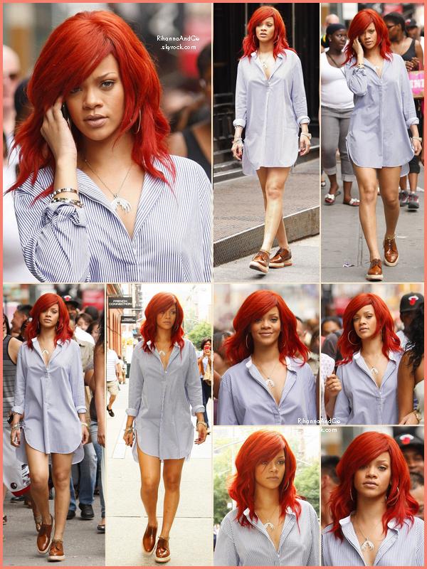 -- ▬18 Juillet 2011 : Rihanna et sa meilleure amie Melissa se balade dans les rues de New-York City.  --