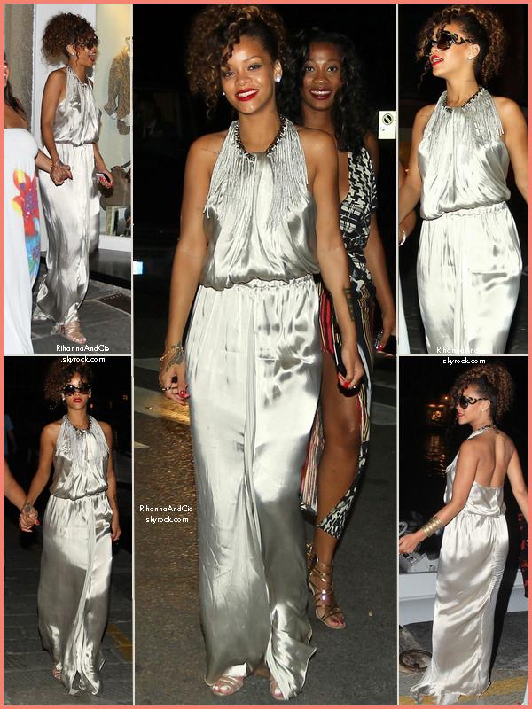 -- 24 Août 2011 : Rihanna a était vu dans la soirée dans les rues de Portofino toujours en Italie.. --