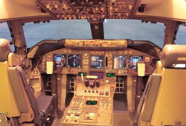 B 747_400 LE NAVIRE AMIRAL les jeune vieux c.. chez les vieux C...