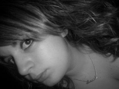 J'ai besoin d'ailes pour voler , J'ai besoin de jambes pour marcher , J'ai besoin d'une vie pour exister , J'ai besoin d'un coeur pour respirer , J'ai besoin de Lui* pour aimer .. <3