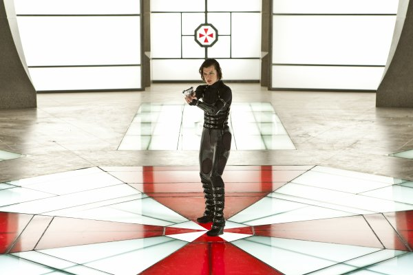 RESIDENT EVIL : RETRIBUTION EXPLOSE LES BOX OFFICE