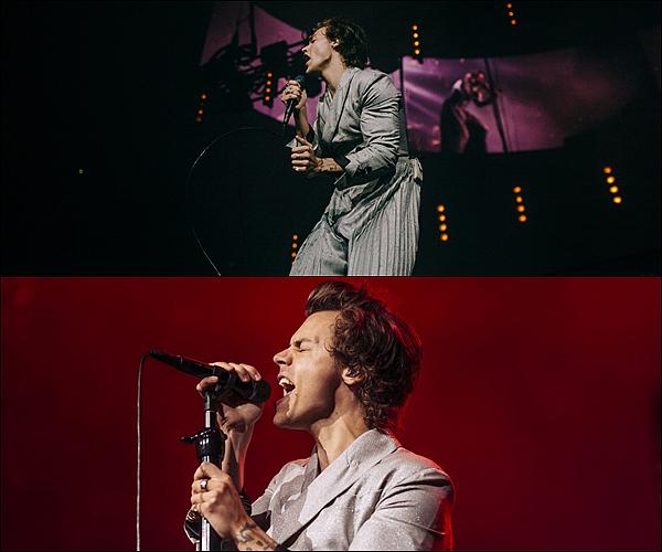 .09/07/18 ● Harry a performé dans le cadre de sa tournée « Live On Tour » à Sacramento, aux Etats-Unis. Ca sent la fin de la tournée... Harry porte un costume gris, qui à l'air de briller ! J'aime beaucoup. Je lui accorde un top ! Qu'en pensez-vous ?  .