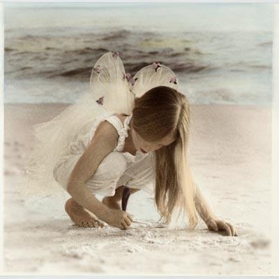 Tout le monde aimerait revenir à l'âge de l'innocence .. l'âge ou tout est facile ou on se pose aucune question et on prend la vie comme elle vient ...