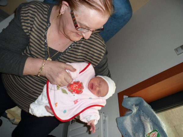 ma mere et ma petite fille kaellye
