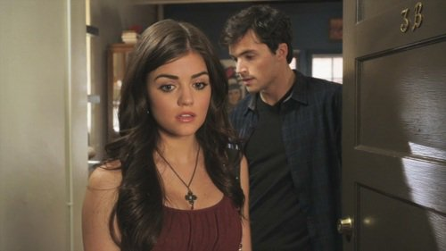 1x05 (Reality Bites Me) : Ezra