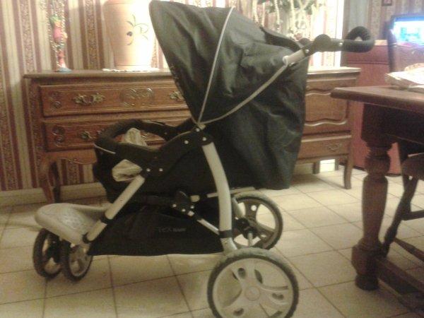 poussette a 3 roues de marque baby tex bienvenue. Black Bedroom Furniture Sets. Home Design Ideas