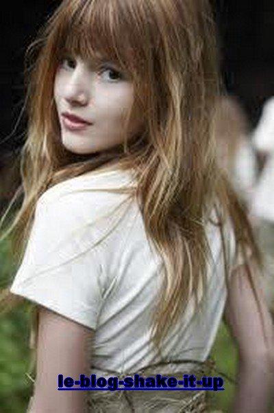 Bella Thorne grandis !