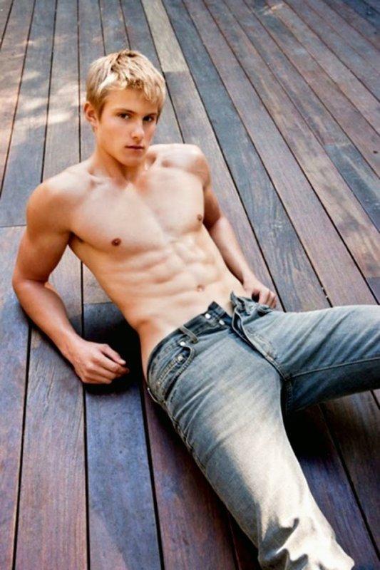 les bo goss en jeans  =)