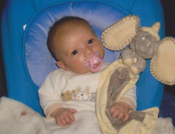 Amélie 2 mois