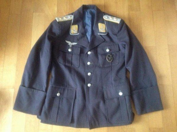Ma  vareuse d'officier luftwaffe Hauptmann A VENDRE !!!