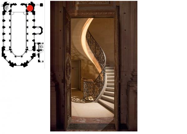 Premier étage - Aile nord - 350 Chapelle royale - Niveau tribune - Déambulatoire - Escalier en vis nord