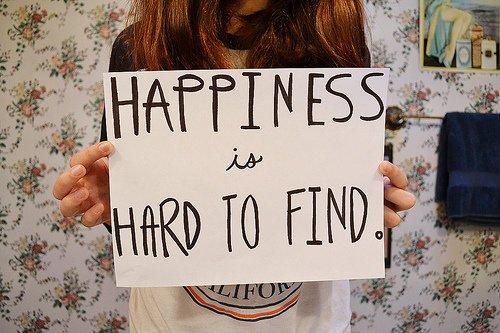 Il faut identifier le bonheur lorsqu'il est à ses pieds, avoir le courage et la détermination de se baisser pour le prendre dans ses bras et le garder.
