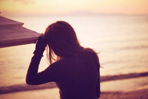 La vie abime les vivants et personne, jamais, ne recolle les morceaux, ni ne les ramasse.