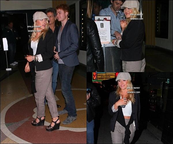 . 11/02/2011 : Emily a été vu allant au concert de Taylor Momsen à Los-Angeles.--------TOP/FLOP ? .
