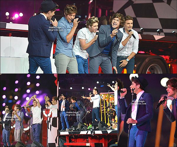 _ 15/08/12 : Les One Direction dont Zayn sortant dans les rues de Londres. _