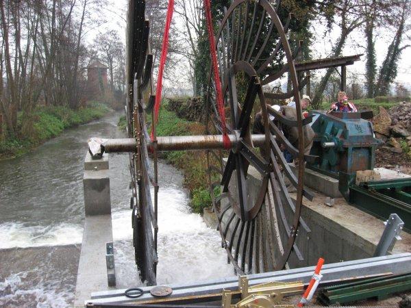 Création d'une roue à eau, pour générer de l'électricité