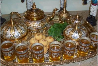 C'est les habitudes marocaines, ouai c'est bien ça, et je ss fière d'être moroccan