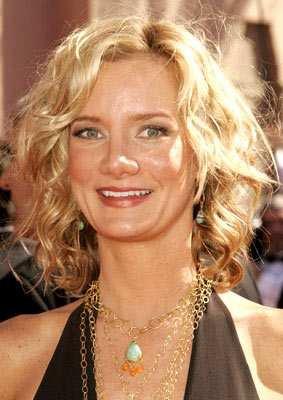 Beth Littleford ( Barbara Olson )