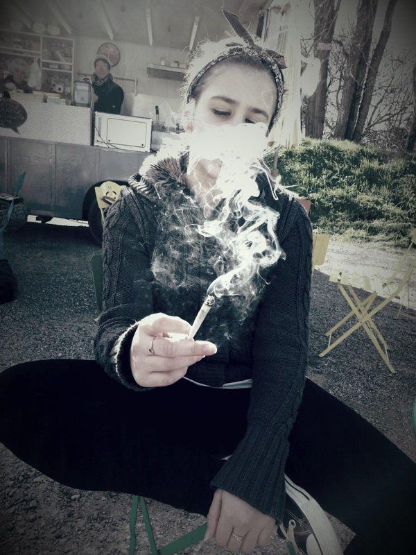 Fume avant que la vie ne te fume