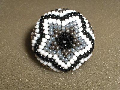 Une p'tite parure noire et blanche