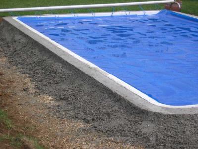 La ceinture beton travaux de ma piscine for Ceinture beton piscine