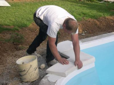 Pose des margelles travaux de ma piscine for Pose de margelle piscine