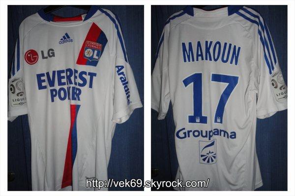 Maillot OL 2010-2011 extérieur MAKOUN (Maillot Blanc avec EVEREST POKER devant)