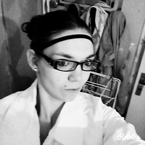 je suis comme je suis je n ai pas a plaire donc celui a qui ce blog ou ces fotos ne plaises pas quil trace sa route car vos msg de merde jmen bas le steack sa me fais ni chaud ni froid moi je cest ce que je vaut je suis pas h24 entrain de critiquer ou rabaisser les Gens on es tous hulain on es tous pareille avec des visage differents des caracteres different maos a part sa nous somme tous les memes . je peut etre tres gentille comme tres  mechante je peut etre un ange comme le diiable je peut etre sage comme etre jne grosse peste alors ne vous fier pas a mon apparence car derriere ces sourires sur mes fotos ce Cache bcp de haine de tristesse . derriere ce regard ce cache bcp de larme derriere ces levre si fine se cache un hurlement silencieux 😄
