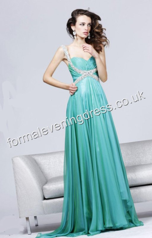 A Perfect Evening Dress For The Coming Evening Wedding Party ...