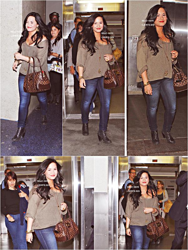 *  Demi  arrivant à l'aéroport de LAX à Los Angeles le 18/04 .  *