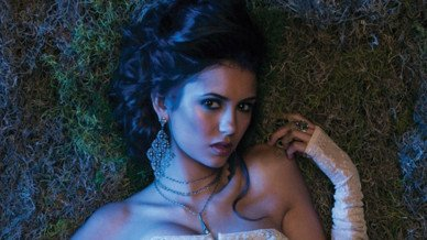 Nina Dobrev de Vampire Diaries fait voeu de silence pour la bonne cause