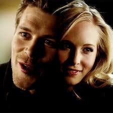 Caroline tente de comprendre son attirance pour Klaus