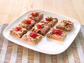Tapas de pain de seigle au pâté d'Ardenne et sa confiture de fruits rouges