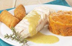Dos de cabillaud au curry et purée de carotte.
