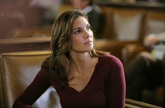 """Daniela Ruah (NCIS Los Angeles) : """"Jouer un couple avec mon beau-frère est un peu gênant"""""""