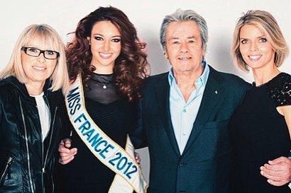 Delphine Wespiser, Mireille Darc, Sylvie Tellier & Alain Delon