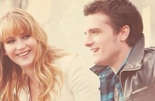 La première fois qu'elle l'embrassa elle crut frôlez une étoile .