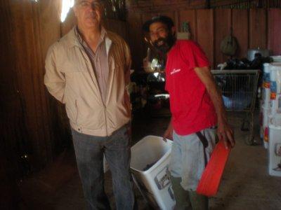 dr makthoum avec le gardiens au refuge