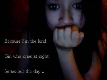 Parce que je suis cette fille qui se plaint dans chacun de ses textes alors que le malheur du monde est bien plus présent.