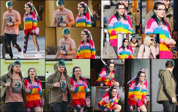 - 30/01/17 : On retrouve miss Thorne avec des amis se baladant dans les rues de la ville de Santa Monica.Je suis proche de faire une syncope en voyant cette chose. Je n'ai vraiment pas les mots pour décrire la mocheté de cette tenue... • Top or Flop ? -
