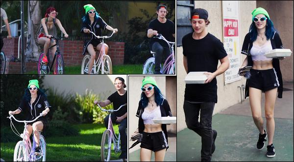 - 09/02/17 : Notre jolie Bella et des amis ont été repéré dans les rues de Los Angeles se baladant en vélo.Elle a ensuite était vue avec un encas dans les mains, et en confondant visiblement t-shirt et lingerie, distingué à souhait Bella... • Top or Flop ? -
