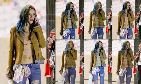 - 06/01/17 : Bella.T a été vue dans une rue de Beverly Hills pendant qu'elle passait un coup de téléphone !Notre miss Thorne attendait sans doute quelques amis avant d'assister à la fête d'anniversaire de l'agent de star Cade Hudson ! • Top or Flop ? -