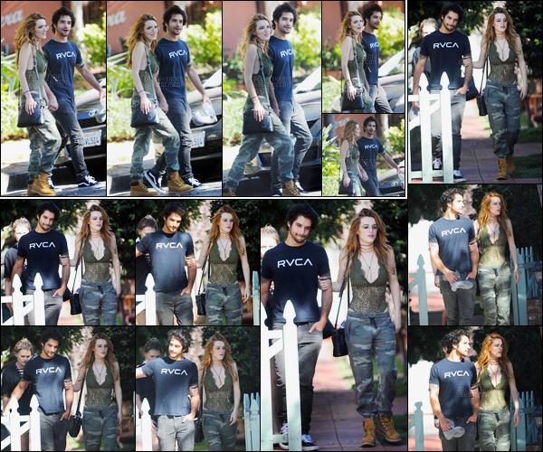 - 16/09/16 : Bella Thorne a été photographiée au bras de Tyler Posey dans les rues de West Hollywood !J'aime beaucoup la tenue que porte notre chère mademoiselle Thorne, tout comme le joli petit couple qu'elle forme avec Tyler... • Top or Flop ? -