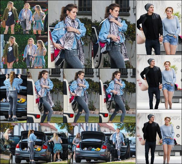 - ..20/05/16.. - Bella Thorne et deux de ses amis ont été aperçues marchant dans les rues de Los Angeles !Plus tard dans la journée, notre jolie rousse a été vue marchant dans les rues de Culver City avec son petit-ami (qu'on adore), l'acteur Gregg Sulkin ! -